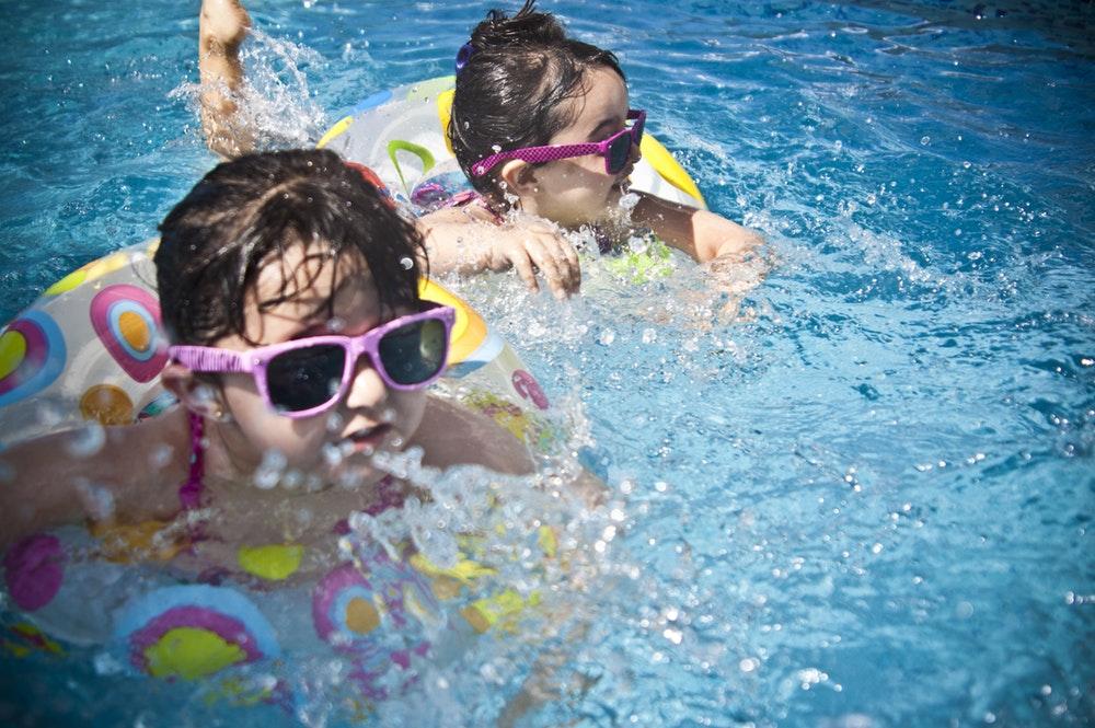 Garden & luxurious swimming pools